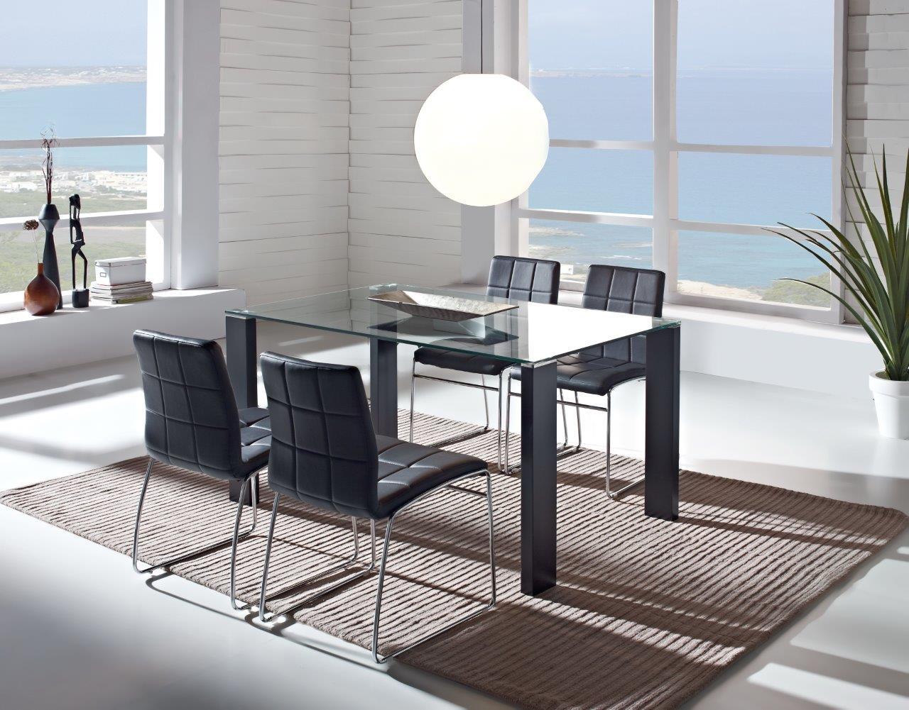 Conjunto de mesa cristal y 4 sillas melrouse daicarmobel lleida - Conjunto de comedor ...