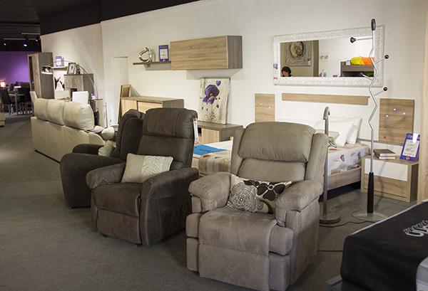 Daicarmobel rambla d 39 arag lleida tienda de muebles for Muebles hipopotamo lleida
