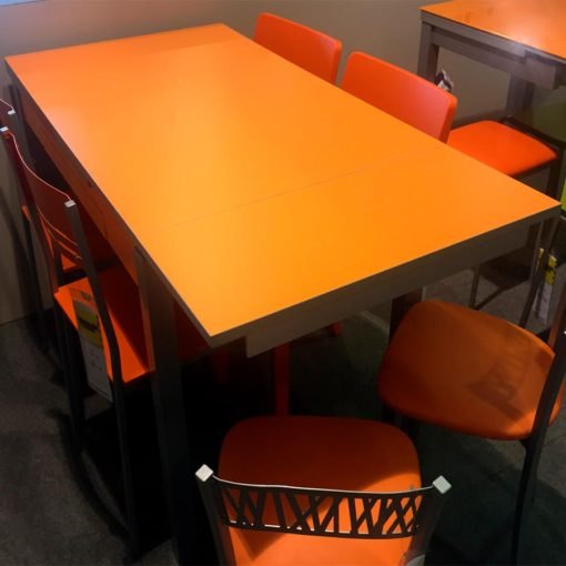Mesa-Cocina-naranja