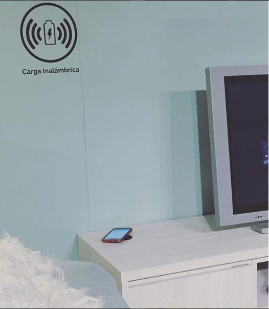 Carga tu Smartphone de forma inalámbrica en tu Mueble TV, Mesa de Centro, Mesita de Coche...